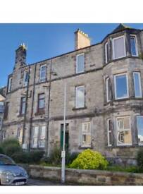 Fantastic 2 bedroom flat for rent. Central location in Dunfermline. Available from today! £525