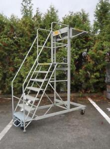 CANWAY Mobile 7-step Ladder Stand With Handrails