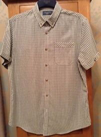 Men's Grey Check Soft Touch Short Sleeve Shirt from Atlantic Bay Size Medium NEW