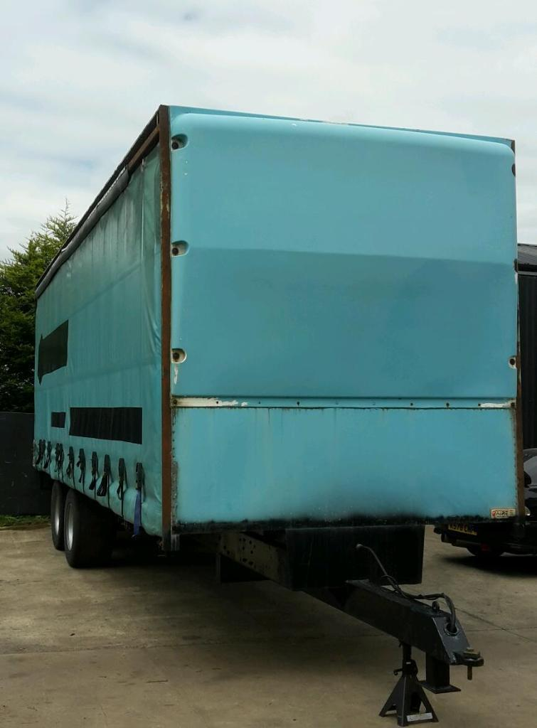 Side Door Tractor Trailer : Curtain side tractor trailer oil brakes in coalisland