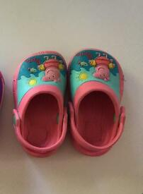 Peppa pig croc style shoes size 4