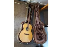 Acoustic Takamine Guitar plus Hard Case
