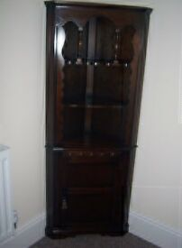 Dark wood attractive corner unit in beautiful condition