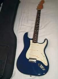 Fender Robert Cray Standard Stratcaster Violet Hardtail including Fender Gig Bag