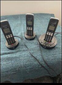 Telephones (triple)