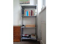 Shelf: indoors or outdoors use