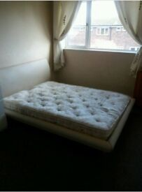 Very Large bedroom to rent