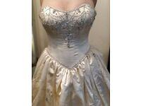 DESIGNER HOLLYWOOD WEDDING DRESS