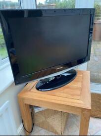 31 inch Samsung tv black