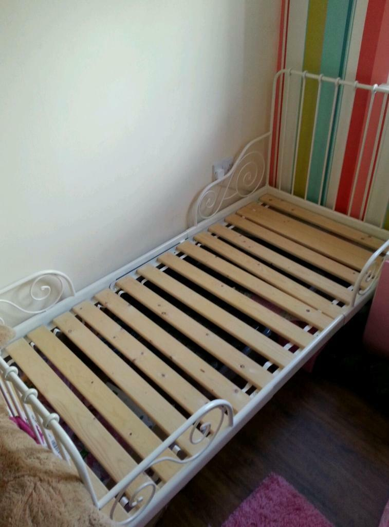 Ikea Udden Herd Anschließen ~ Ikea white extendable single bed frame As New  in Blackfield