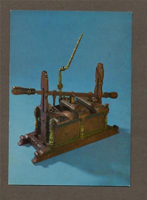 Manual Fire Engine c.1680  Postcard   L.468