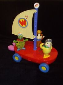 Wonderpets Fly Boat Complete with Figures, Sounds and Lights.
