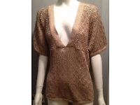 Gold V neck sparkly sequins short sleeves top TU retail £25!! Size 18, excellent condition