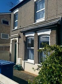 1 Bed Flat close to Norwich City Centre and Train Station. No upfront costs. Immed. View