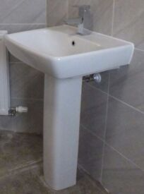 Twyfords Wash Hand Basin Complete with Pedestal and Tap
