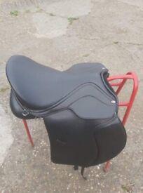 Heather Moffat saddle