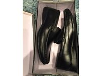 BRAND NEW NEVER WORN BOXED SIZE 6 MENS SHOES