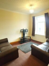 2 bed flat near Manor Park Rail / East Ham Station, Newham. Separate kitchen/lounge (not an Agent).