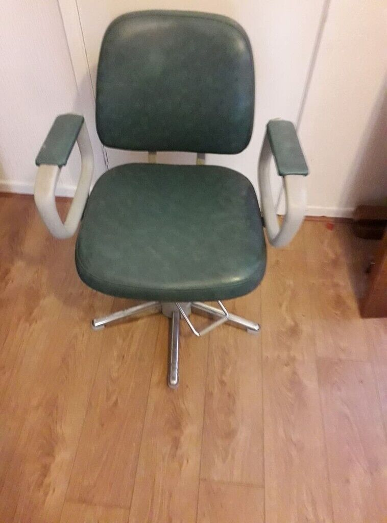 Used Salon Chairs For Sale Hydraulic Styling Chairs In Walton