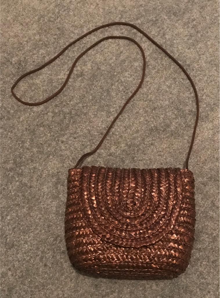 Ladies Strappy Bag