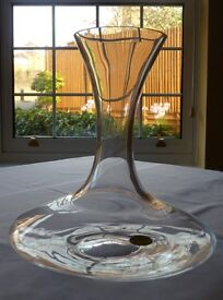 Glass ship style decanter suitable for red wine or water
