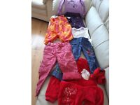 BUNDLE OF CHILDRENS CLOTHES 2 TILL 4 YEARS OF AGE