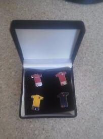 Middlesbrough F.C. Set Of 4 Pin Badges In Presentation Case