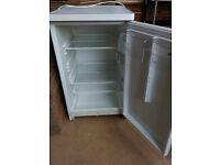 Under counter/bench fridge (beer fridge)