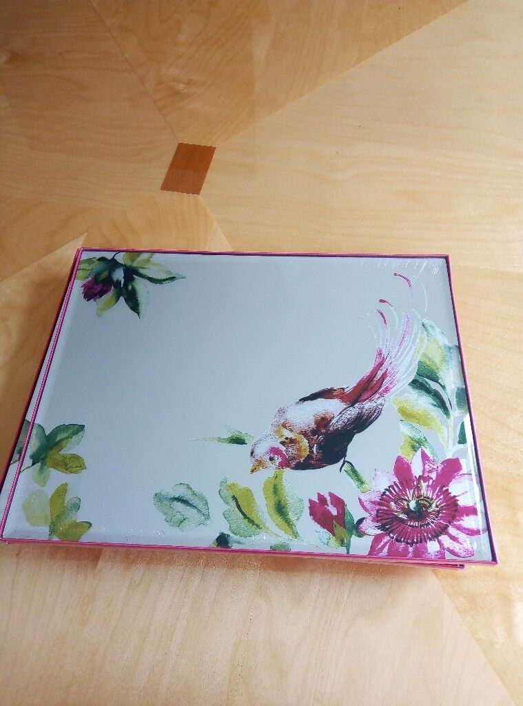 Laura Ashley X 8 Mirrored Table Mats