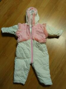 Adorable one piece winter suit for baby girl. Almost new!