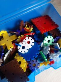 Box of multicoloured plastic pieces. VERY GOOD for 4-8 yr olds CONDITION