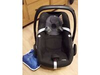 Maxi cosi pebble car seat in excellent condition.
