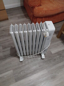 Dimplex portable 2000W electric heater with wheels