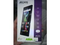 ARCHOS Platinum NEW,BOXED,UNLOCKED (5.5 inch Screen)