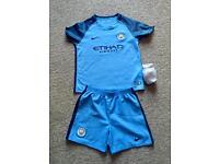 Manchester City kit age 7 to 8