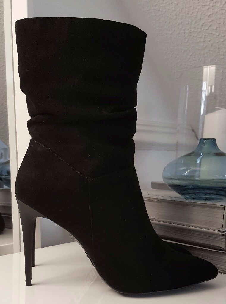 BRAND NEW Black High Heel Boots - Size 7