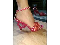 polka dot heart shaped heel shoes. never worn. size 39 / 5