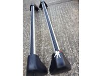Excellent condition Original Vauxhall roof bars with 4 keys.