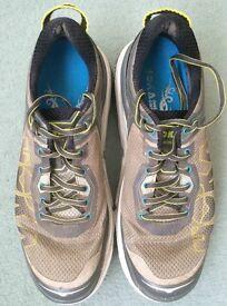 Hoka Bondi Running Trainers for Men in UK Size 9