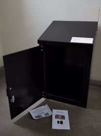 LockTin Box (Excellent condition)was £165 selling for £100