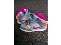 Nike Air Force Size 6