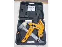 Bostitch MFN-201 50 mm manual ratchet floor nailer