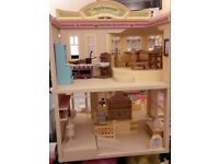 Sylvanian Families Applewood Department Store and House