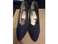 Navy Blue Shoes size 5 1/2