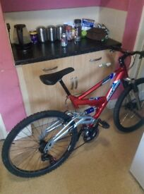 """Raleigh mountain bike 26"""" new gear cables and brake cables new back gears fitted no buckles"""