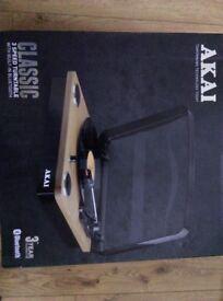 Akai 3 peed turntable with bluetooth like new