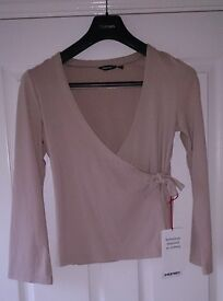 Rohan Womens Deep Beige Softwear Wrap Top Size Small As New Condition