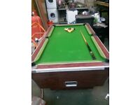 pub style pool table great condition fully working order