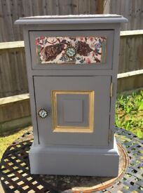 Refurbished small grey cabinet with one drawer