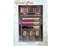 Paint Box Deluxe Collections. Eye Shadow